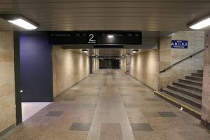 Podchod na brněnském hlavním nádraží. Foto: Martin Strachoň / Wikimedia Commons