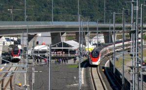 Švýcarská prezidentka přijela otevřít tunel Ceneri vlakem. Pramen: RSI