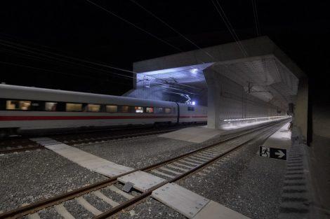Zkušební provoz v tunelu Ceneri. Pramen: AlpTransit Gotthard