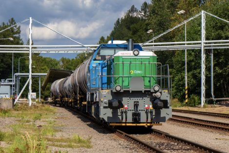 Lokomotiva EffiShunter 600 ve skladu Čepra. Pramen: CZ LOKO