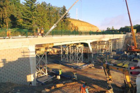 Stavba nového železničního mostu v Plzni na mladotické trati. Pramen: Správa železnic