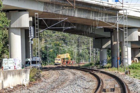 Trhání kolejí pod ulicí K Barrandovu. Pramen: Správa železnic