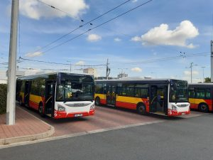 Nové autobusy Iveco Urbanway. Foto: Dopravní podnik města Hradce Králové