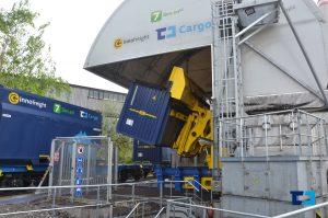Vykládka uhlí z vozů Innfofreight ve Chvaleticích. Foto: ČD Cargo