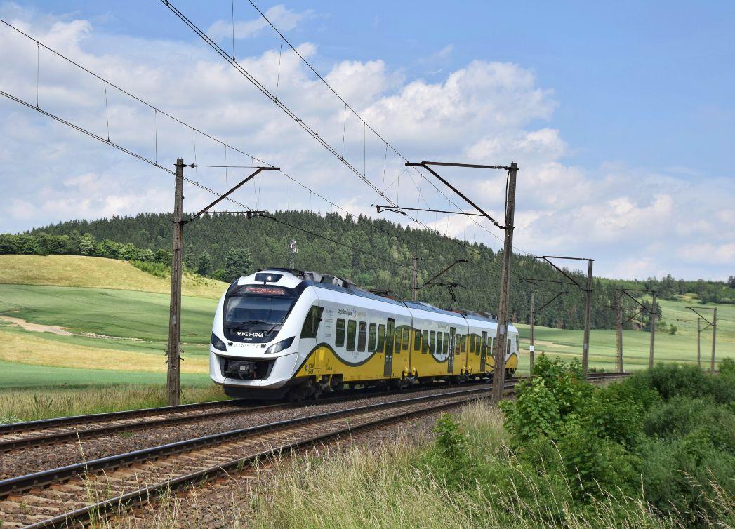 Elektrická jednotka společnosti Koleje Dolnośląskie. Pramen: Newag