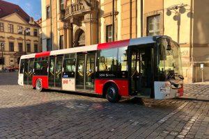 Autobus SOR NB12 v nových barvách Pražské integrované dopravy. Foto: Daniel Šabík /DPP