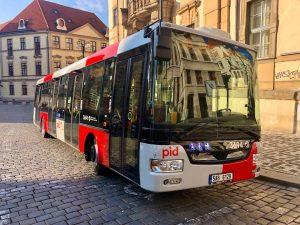 Autobus SOR NB12 v nových barvách Pražské integrované dopravy. Foto: Daniel Šabík / DPP