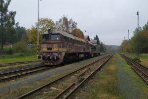 Přeprava Sergeje do Kladna. Foto: Kladenská dopravní a strojní