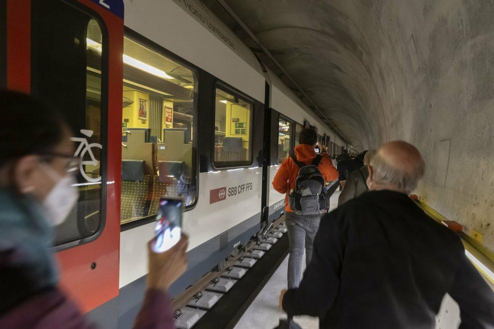 Zkušební evakuace z tunelu Ceneri. Pramen: SBB