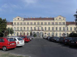 Nádražní budova Teplice. Autor: Qwertz0451 – Vlastní dílo, CC0, https://commons.wikimedia.org/w/index.php?curid=27957467