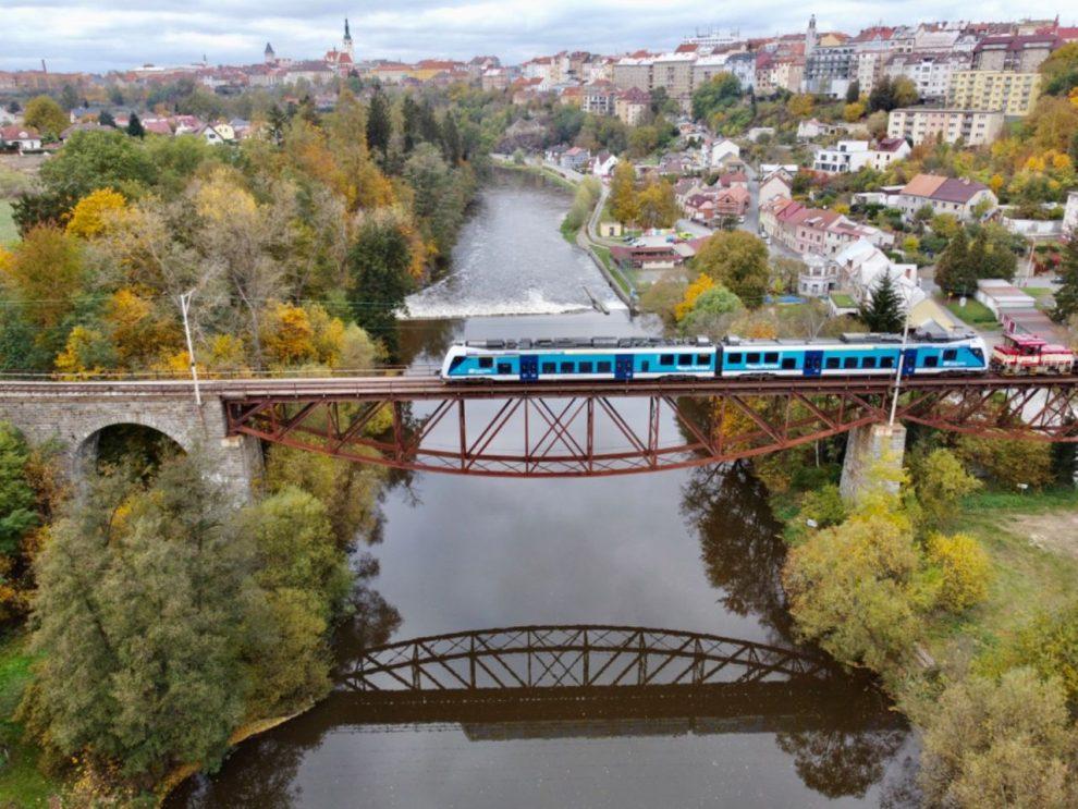 RegioPanter při testování na trati Tábor - Bechyně. Foto: Jan Chaloupka / České dráhy