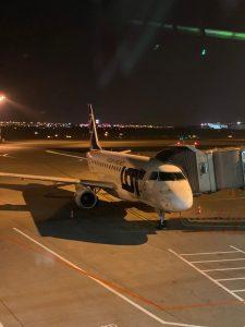 Embraer E170 před prvním letem z Varšavy do Ostravy. Foto: FB Létejme z Ostravy