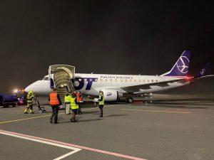 Embraerr E170 společnosti LOT po příletu do Ostravy. Foto: FB Létejme z Ostravy