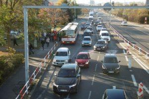 Stav v Modřanské před instalací vyhrazeného pruhu pro autobusy. Foto: Ropid