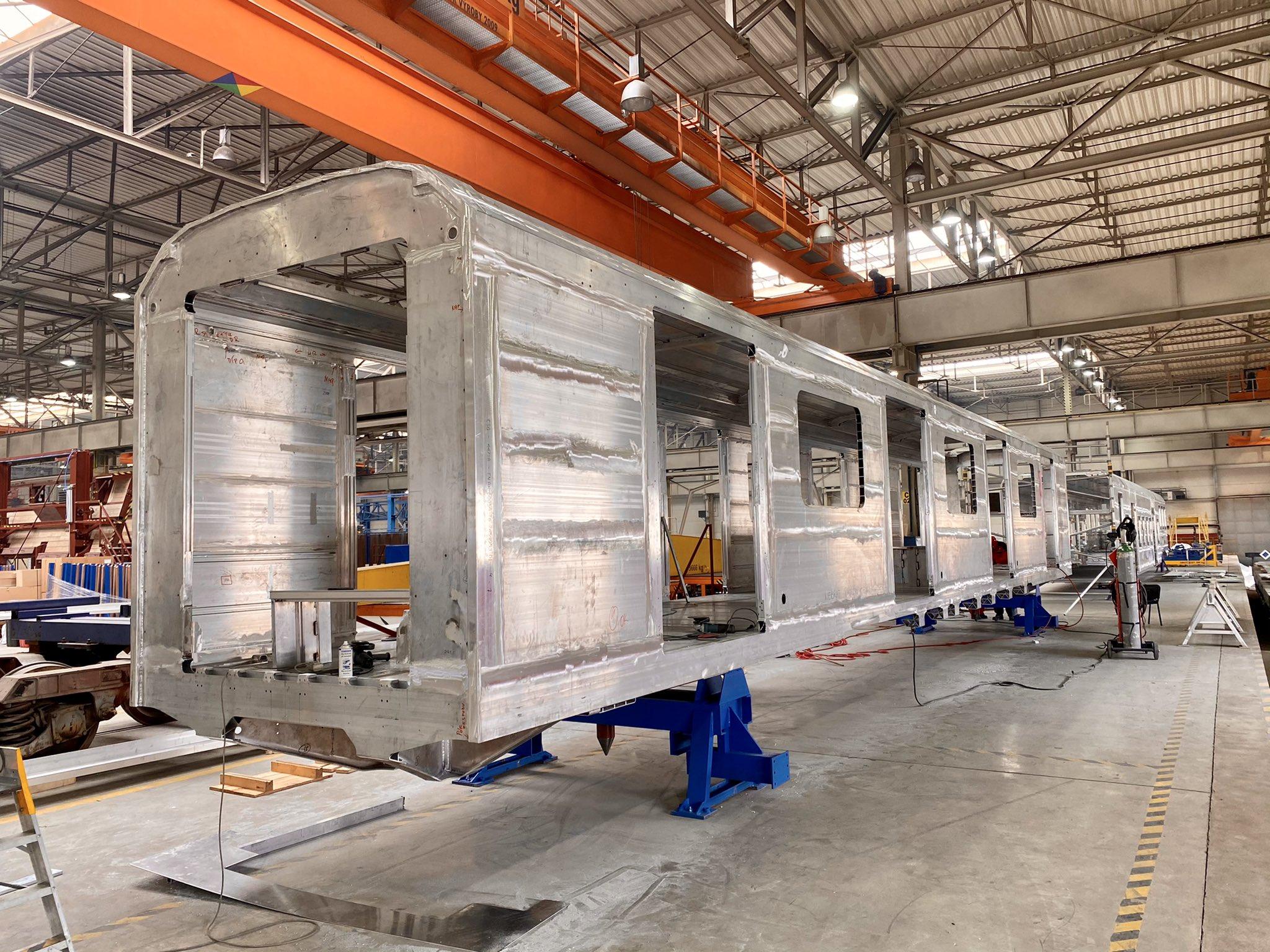 První hotový svařenec vozu pro varšavské metro. Pramen: Škoda Vagonka