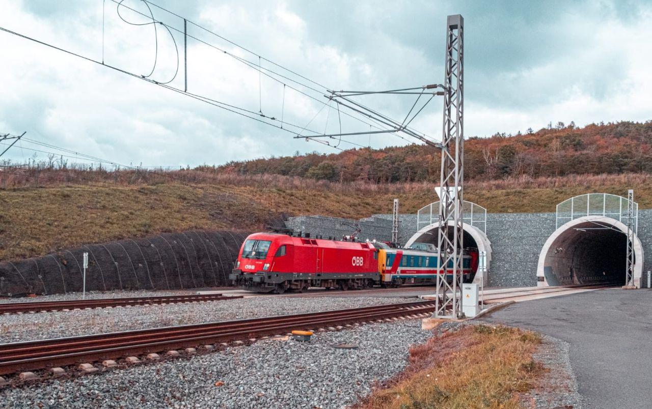 Testování rychlosti 200 km/h v ejpovických tunelech. Foto: Správa železnic