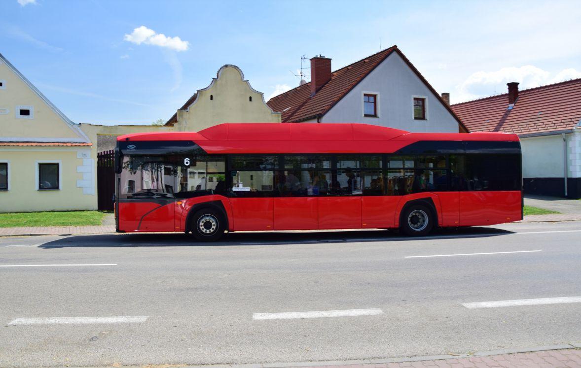 Autobus Solaris v českobudějovické MHD. Pramen: DPMČB