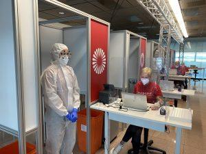 Testování na Covid-19 na letišti. Foto: Lufthansa