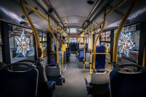 Vyzdobený trolejbus v Pardubicích. Foto: DPMP