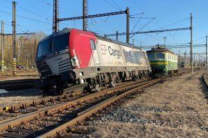 Vykolejení lokomotivy Siemens Vectron v Kolíně. Foto. Václav Horáček