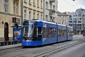 Tramvaj Stadler Tango NF Lajkonik v Krakově. Foto: Michal Chrást