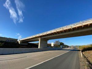 Nový nadjezd přes D1 mezi Domašovem a Javůrkem. Foto: Metrostav Infrastructure