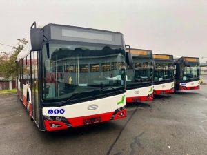 Midibusy Solaris Urbino 10 v původních barvách DPP. Autor: Daniel Šabík/DPP