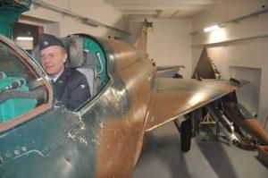 Petr Bílý v simulátoru MiG-21