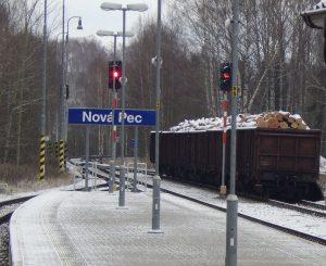 Nádraží Nová Pec na trati 194 z Českých Budějovic do Černého Kříže. Autor: Zdopravy.cz/Jan Šindelář