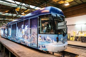 Vánoční tramvaj v Plzni. Foto: PMDP