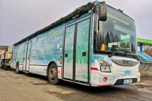 Vánoční autobus v Karlových Varech. Foto: DPKV