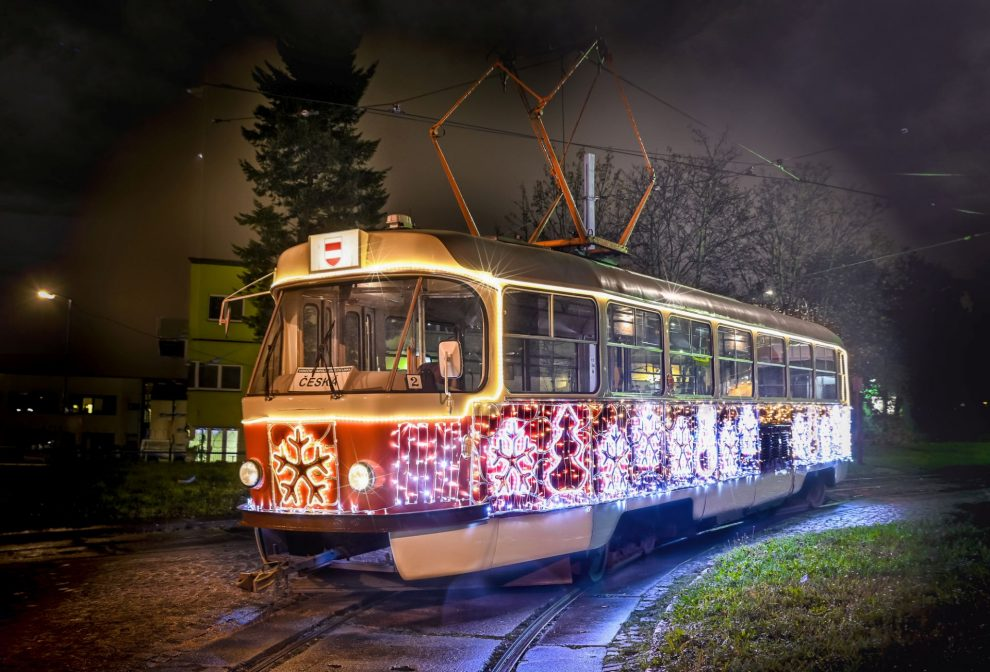 Brněnská vánoční tramvaj. Pramen: Dopravní podnik města Brna
