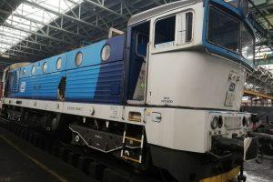 Lokomotiva 754 v dilnách ŽOS Zvolen. Foto: ŽOS Zvolen