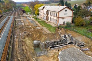 Modernizace trati Brno - Zastávka u Brna. Situace u Střelic. Foto: Skanska