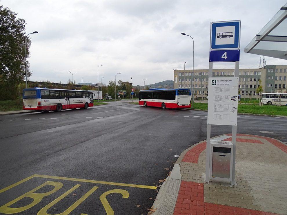 Autobusové nádraží v Berouně. Pramen: Wikimedia Commons, ŠJů