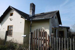 Drážní domek v obci Zvole k demolici. Foto: Správa železnic