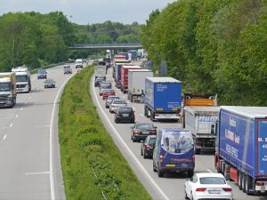 Kolona na dálnici. Foto: Pixabay.com