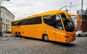 Autobus Irizar i8 v barvách RegioJetu (Student agency). Foto: Jan Sůra / Zdopravy.cz