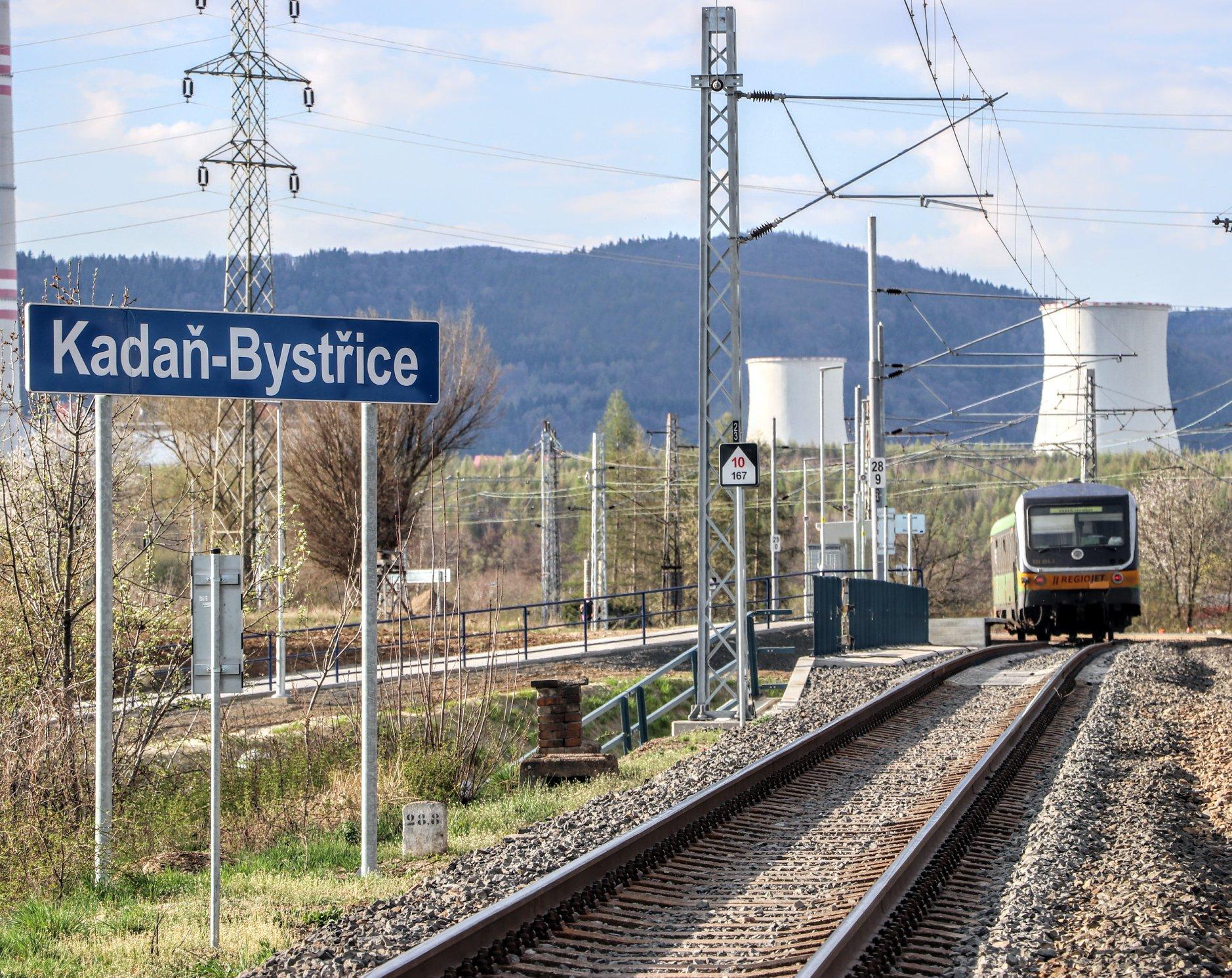 Elektrizovaný úsek trati z Prunéřova do Kadaně. Foto: Správa železnic