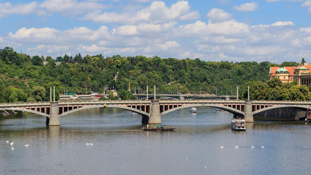 Mánesův most v Praze. Autor: A.Savin(Wikimedia Commons·WikiPhotoSpace) – Vlastní dílo, FAL, https://commons.wikimedia.org/w/index.php?curid=53723596