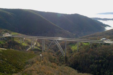 Nový viadukt Teixeras na budované rychlotrati z Madridu do Galicie. Foto: Adif