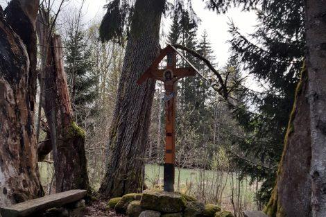 Nové Údolí, obnovený kříž na původním místě. Pramen: archiv Pavla Kosmaty