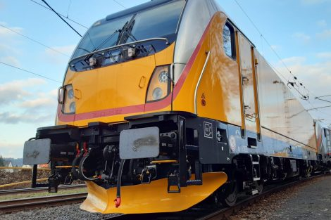 Lokomotiva Bombardier TRAXX MS3 v barvách RegioJetu. Foto: Bombardier
