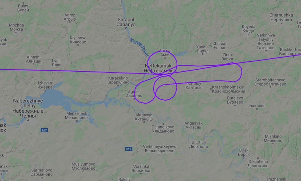 Průběh letu z Moskvy do Jekatěrinburku, za který padaly v Pobeda Airlines tresty. Foto: Flightradar24.com