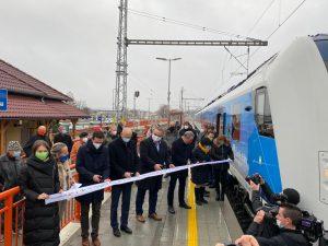 Slavnostní otevření tratě po modernizaci v Hustopečích. Pramen: České dráhy