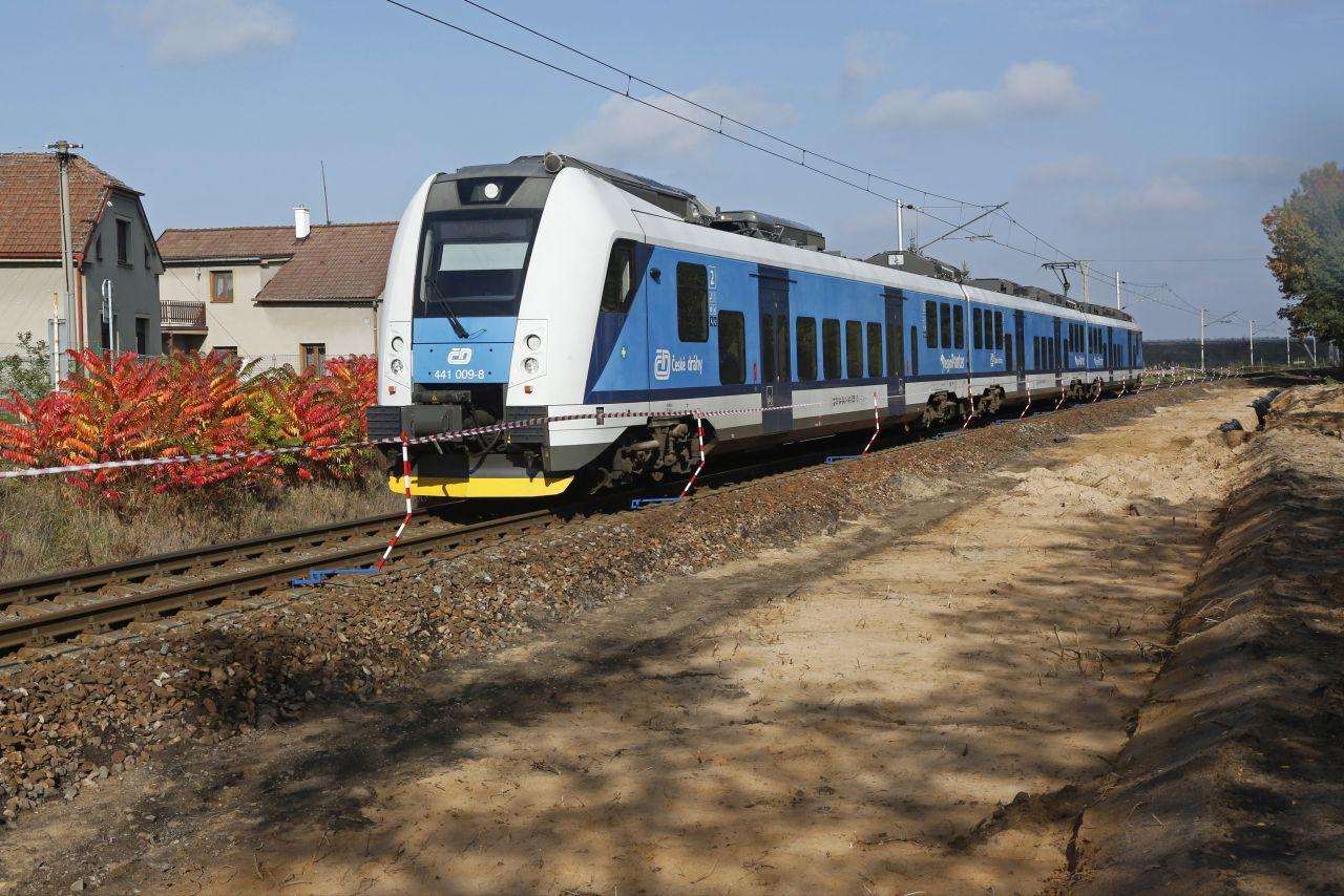 RegioPanter na trati Pardubice - Hradec Králové. Foto: České dráhy