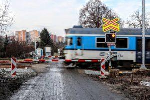 Rekonstrukce přejezdu na trati mezi Brnem a Zastávkou u Brna. Foto: Správa železnic