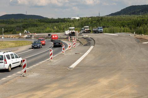 Silnice I/13, výstavba křižovatky Třebušice. Pramen: ŘSD