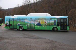 Nové autobusy SOR NBG 12 v polepech pro provoz ve vsetínské MHD. Foto: Městský úřad Vsetín