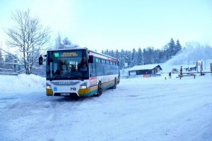 Autobus DPMLJ v Bedřichově. Foto: Liberecký kraj